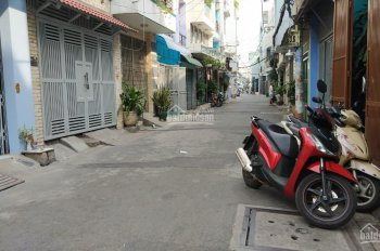 Bán đất hẻm xe hơi đường Trần Văn Ơn, P. Tân Sơn Nhì, DT 4,1x16 m2, Giá 5,6 tỷ.