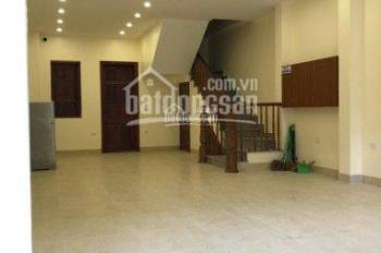 Cho thuê nhà mặt phố Khuất Duy Tiến, 150m2, MT 6,5m. Thông sàn giá 45tr/th