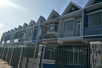 Bán nhà 1 lầu gần chợ Hưng Long, 600 triệu sổ hồng, LH 0934117173