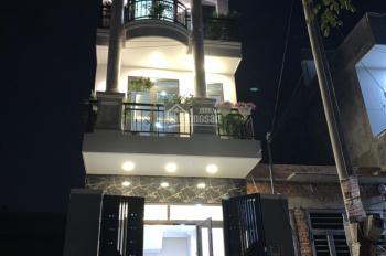 Bán nhà 1 trệt 2 lầu, ngay Vinhomes Quận 9, cách 100m, nằm trên đường Nguyễn Xiển