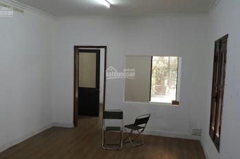 Cần cho thuê tập thể Trung Tự tầng 3, 50m2, 2 phòng, nhà đẹp, mới, nóng lạnh, điều hòa, giá 5tr/th