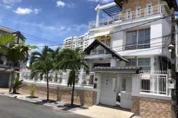Bán nhà biệt thự 18 x 18m, góc 2 mặt tiền đường 17, Hiệp Bình Chánh, Thủ Đức, giá rẻ