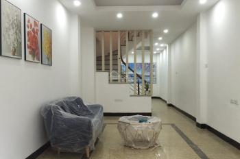 Chính Chủ nhà DT rộng, gần đường lớn phố Định Công Thượng, xây mới 4 tầng, giá 3,2 tỷ. 0984886520
