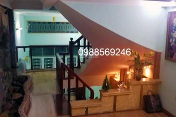 Bán nhà giá rẻ! Nhà 5 tầng, DT 45m2, ngay cv Thủ Lệ, ngã tư Bưởi - Đào Tấn, cần tiền bán gấp