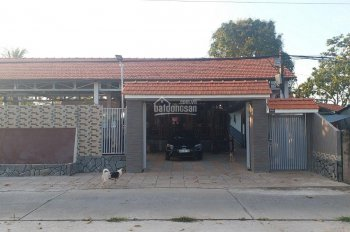Bán khu nghỉ dưỡng khoảng 7000m2 thuộc xã Gáo Giồng, huyện Cao Lãnh. Liên hệ 0986.904.186