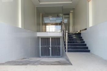 Cho thuê nhà mặt tiền nguyên căn đường Bùi Tá Hán, P. An Phú Q2, 1 hầm 1 trệt 3 lầu, giá 30 triệu