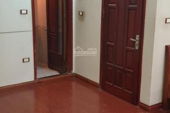 Cho thuê căn hộ tầng 2 nhà riêng trong ngõ 315 Nguyễn Khang, quận Cầu Giấy, Hà Nội