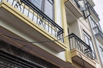 Ô tô đỗ trước cửa nhà, khu phân lô sạch đẹp, 32m, 5 tầng, phố Thanh Lân