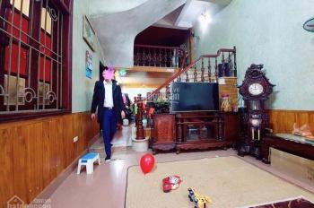 Bán Nhà Phố Quan Hoa, Cách Phố 40m, Ngõ Thông, DT 43m2 x 5T, Chỉ 3.35 Tỷ