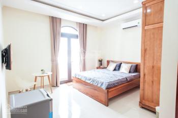 Phòng 30m2, 1PN riêng + bếp, đầy đủ tiện nghi Ung Văn Khiêm, Bình Thạnh giá 4.5tr/th. LH 0896678951