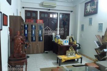 Cho thuê nhà đẹp gần ngõ 34 Hoàng Cầu DT 60m2 x 5 tầng mt 4,5m, giá thuê 14tr/th LH: 0961821686