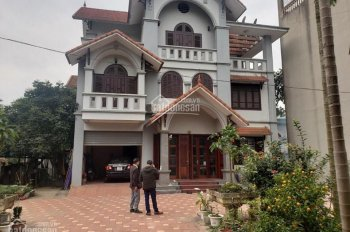 Bán gấp biệt thự mặt đường QL6 Lương Sơn 760m2 cách trung tâm HN 45km giá vài tỷ LH:0987757698
