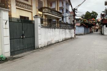 Cho thuê nhà Mp Tân Thụy, Long Biên dt 70m2x3t. Giá 10tr/th