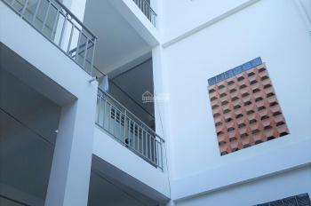 Phòng mặt tiền đường 61, Phước Long B, 2.5 triệu/th, ngay CĐ Công Thương