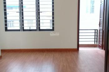 Chủ bán nhà ngõ 281 Trương định 40m 5 tầng xây mới, có sân cỗng riêng để xe thoải mái giá 2,4 tỷ