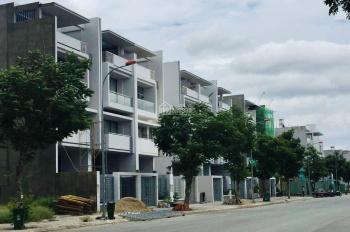 Cần sang lại lô đất Vạn Phúc Riverside, Thủ Đức DT 5x16m, giá rẻ 35tr/m2, sổ hồng riêng. 0933125290