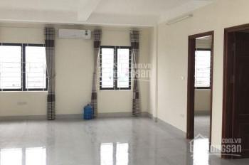 Cho thuê VP tầng 2 mặt phố Trần Đăng Ninh, 45m2, điều hòa, bàn ghế đầy đủ. Giá 5tr/th