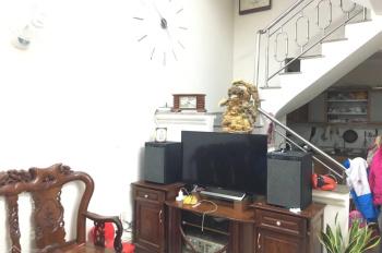 Chính chủ cần bán gấp căn nhà 3 tầng 54m2 hướng Tây Nam , ngã năm Kiến An