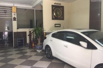 Cho thuê nhà mặt ngõ ô tải đỗ cửa phố Giải Phóng, 55m2 x 3 tầng, giá 12 triệu/th