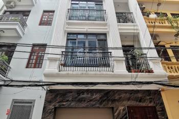 Cho thuê nhà mặt đẹp ở đường Trần Kim Xuyến, 85m2* 5 tầng, Giá 68 triệu/tháng.