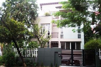 Cho thuê villa đường Nguyễn Văn Hưởng Thảo Điền Q2 DT 20x20m, góc 3MT đường 2 lầu áp mái 13 phòng