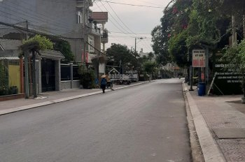 Nhà mặt tiền Ngô Thì Nhậm 210m , thị xã Dĩ An , Bình Dương .