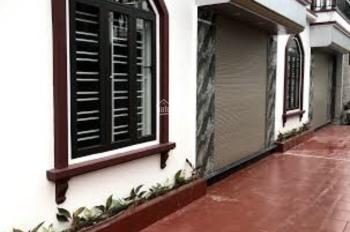 Bán căn nhà 3 tầng khung cứng độc lập. Ngõ 3.5m - 4.2m tại xóm Nam 1, chợ Hoàng Mai, Đồng Thái