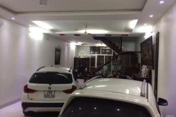 Cho thuê nhà riêng đường Phạm Tuấn Tài - Cầu Giấy. DT 70m2 * 5 tầng, MT 6m, giá 28 triệu/tháng