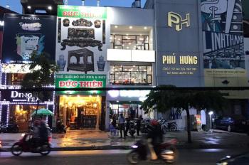 Cho thuê nhà MT KD Hồng Hà (Ngay sân bay) Tân Bình. DT: 4x15m, 3 Lầu . Giá 22 triệu/tháng
