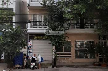 Cho thuê biệt thự khu Cư Xá Nguyễn Trung Trực, Q10. DT: 10x23m, 3 lầu, giá 110 tr/th. 0925288699