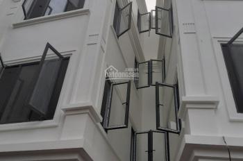 Nhà mới đẹp hiện đại Phố ÁI MỘ phong cách châu âu. 30m x 5 tầng. giá 3.2 tỷ oto đỗ cửa. ngõ rộng 3m