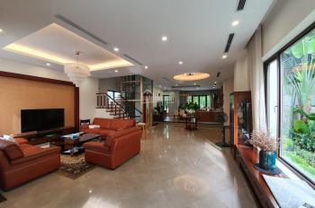 bán căn Hoa Sữa Vinhomes riversdie, 283m2, 19.5 tỷ, để lại nội thất, thang máy, view sông thoáng.