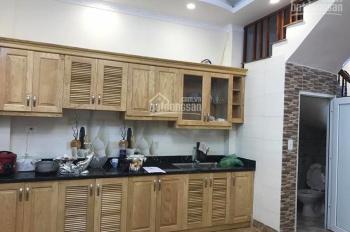 Nhà nhỏ xinh, ngõ thông phố Nguyễn Khánh Toàn giá chỉ 2 tỷ 8. LH 0349157982