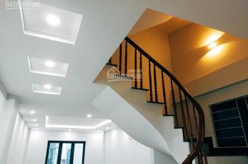 Cho thuê nhà 5 tầng Ngọc Thụy, Long Biên 60m2/ sàn, giá: 17 triệu/tháng. LH: 0984.373.362