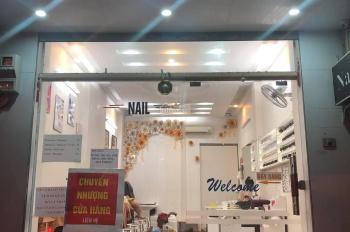 Cho thuê cửa hàng MP Hàng Nón 50m2, MT 3m, nhà thông sàn. Giá rẻ: 25tr/tháng, LH: 0974433383