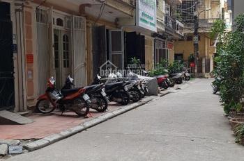 Cho thuê phòng vị trí trung tâm diện tích 25m2 ngõ 121 phố Chùa Láng, Láng Thượng
