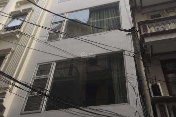 Cho thuê nhà mặt phố Hoàng Ngân, DT 60m2 * 5 tầng. Giá 38 triệu/tháng