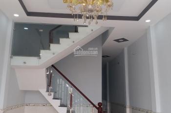 Bán nhà gần chợ Hưng Long 820 triệu 100%. 0707054116