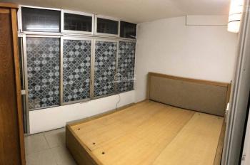 Cho thuê căn hộ TT Cát Linh 60m2 2PN, 1PK, full nội thất 6 triệu/th. LH 0375995653