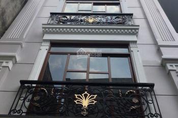 Cho thuê nhà mới mặt tiền 210 Đinh Tiên Hoàng ngay đoạn 2 chiều Quận 1. Liên hệ: 0768630761