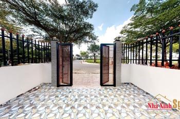 Nhà Bình Chánh 2 lầu, 4PN, 3WC, 100m2 sổ riêng chính chủ giá TT 1,4 tỷ, LH 0931877849 Tâm