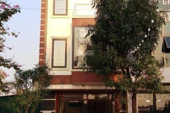 Cho thuê nhà 4,5 tầng mặt phố đối diện TTTM Tân Trường. Có thể kinh doanh, để ở, làm văn phòng