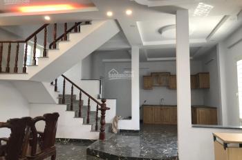 Phòng biệt thự Him Lam Q7 Full nội thất, bao điện nước, giữ xe, có người dọn dẹp LH 090.131.8384