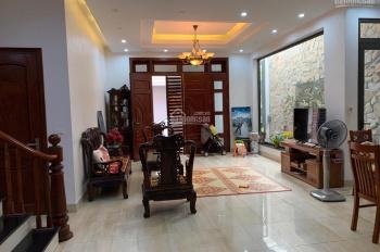 Cho thuê nhà ở Văn Cao, DT: 110m2x4,5T, MT: 8m full nội thất, giá thuê: 25tr/th. LH: 0903215466