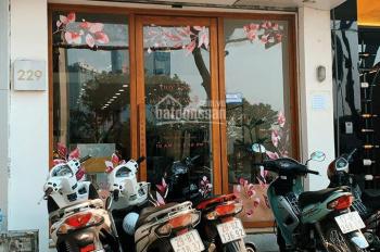 Cửa hàng kinh doanh phố Trần Đăng Ninh. Giá 30tr/tháng cả nhà 3 tầng