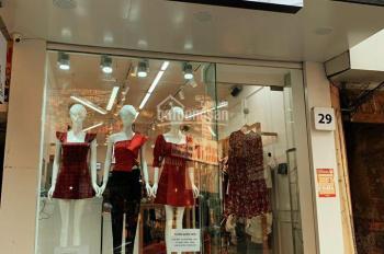 Cho thuê cửa hàng mặt phố giá thuê 15tr khu Đống Đa, thích hợp kinh doanh quần áo, mỹ phẩm, nail