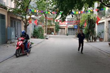 Bán lk 20B Văn Phú, dt 90m, Mt 4,5m, hướng Tây Bắc, giá 6.5 có TL. LH 0982447469