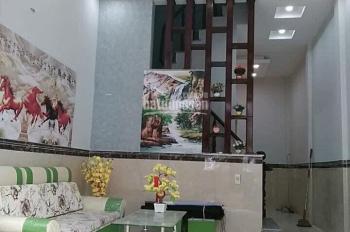 Bán nhà một lầu chợ Hưng Long, Bình Chánh, 600 triệu 100%, LH 0707054116