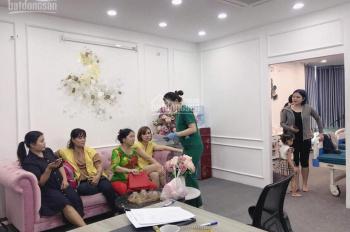 Cho thuê nhà mặt phố Phố Huế, DT: 35m, MT: 5,2m. Giá thuê: 30tr/tháng. Riêng biệt. LH: 0965662664