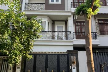 Bán nhà MT Phạm Công Trứ, P. TML, 1 trệt 2 lầu ST full nội thất nhà đẹp. 4.5x25m, giá 8.6 tỷ